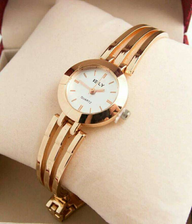 Reloj Dorado - 1