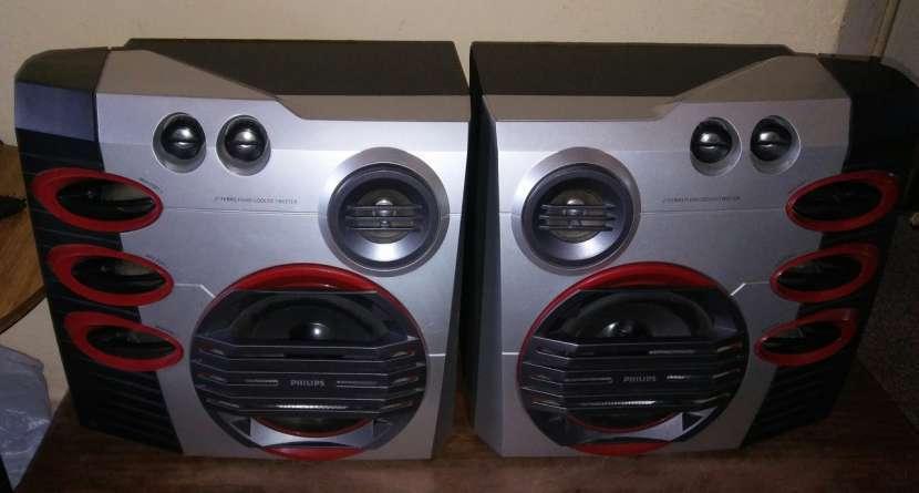 Equipo de sonido Philips FW M57 6500 watts - 1
