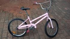 Bicicleta para nena aro 20 semi nuevo