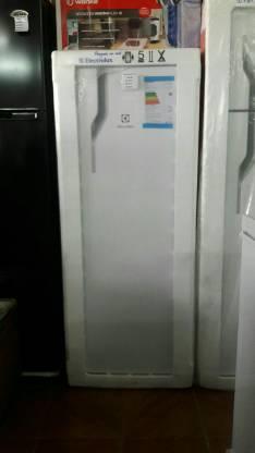 Heladera Electrolux de 300 litros