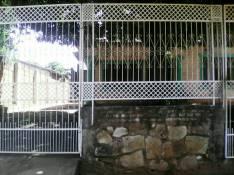 Casa en Avenida Salinas Ñemby