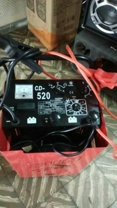 Cargador de baterías 12 y 24 volt