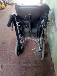 Silla de ruedas tamaño mediano para chicos