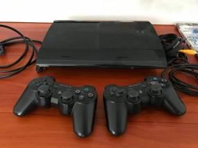 PS3 de 250 gb con 60 juegos cargados