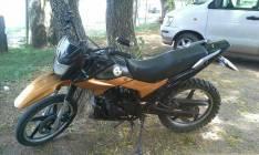 Moto Kenton Shark con motor 200 balanceador
