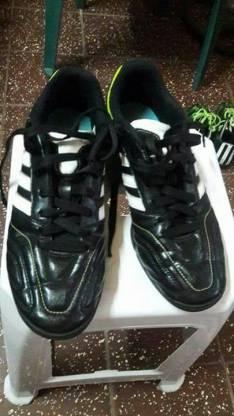 Champion Adidas todo terreno calce 39/40