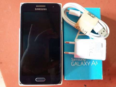 Samsung Galaxy A3 display roto