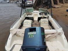 Lancha motor Yamaha de 115 Hp