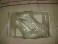 Zapato semi alto calce 40