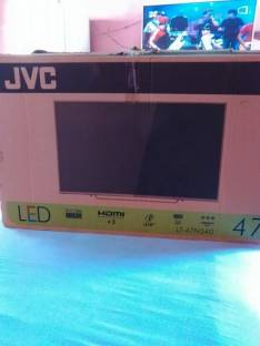 Tv LED JVC de 47 pulgadas con soporte de pared