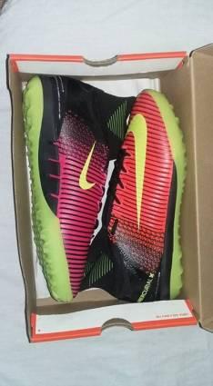 Botita Nike