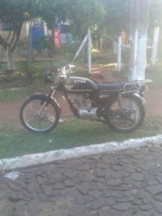 Moto str tiene titulo