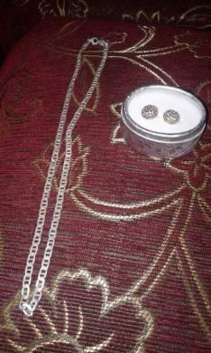 Cadena de plata y arito bañado en oro