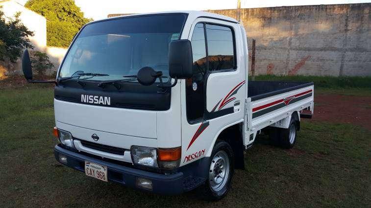 Nissan Atlas 1997 para 2500k motor 3.2 cc diésel - 0