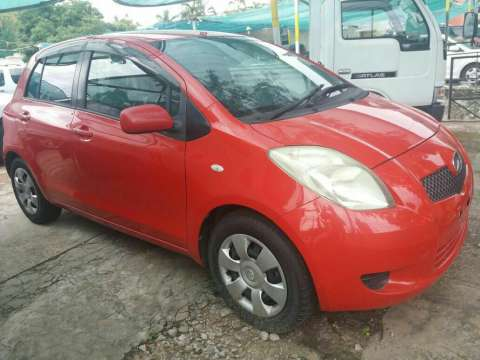 Toyota New Vitz 2005 financiado