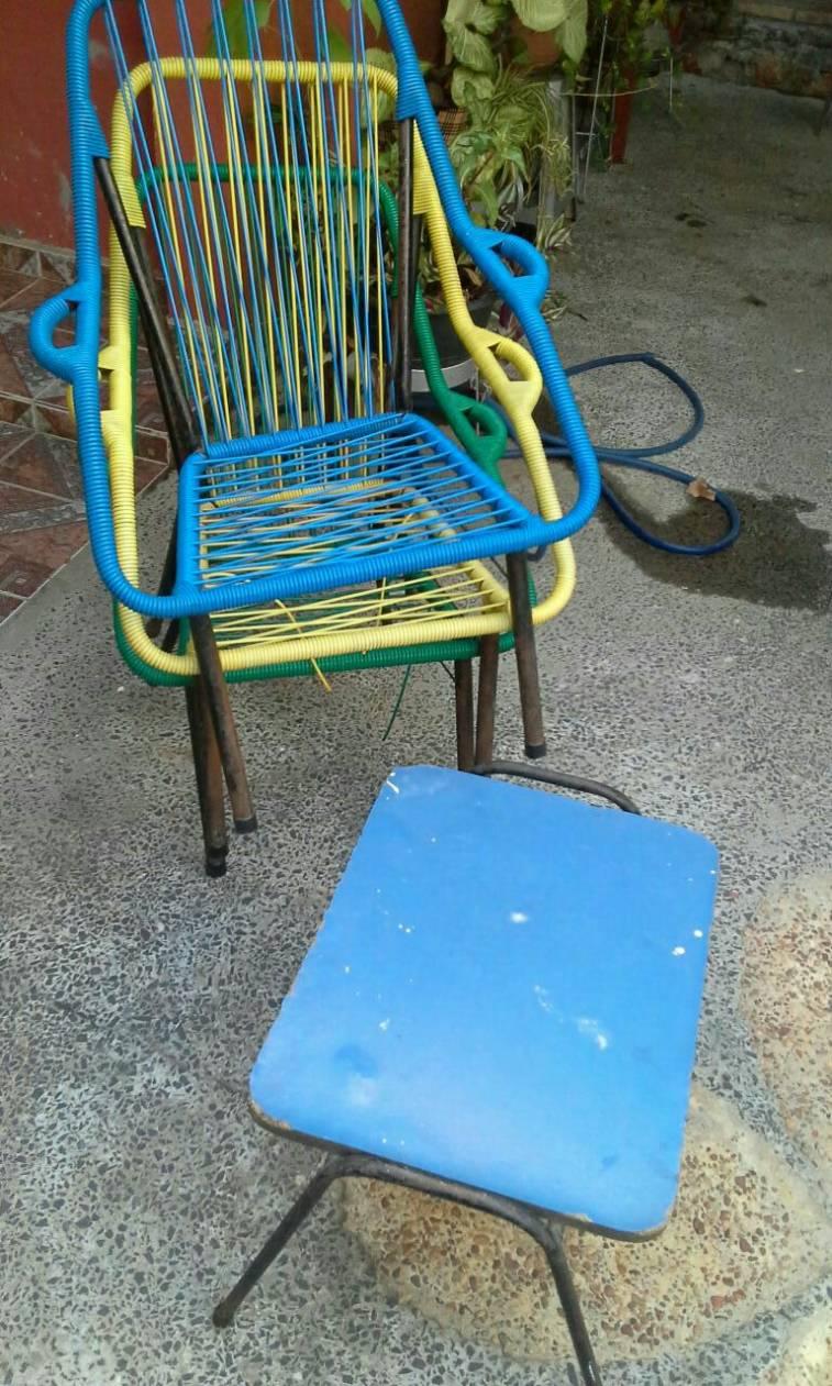 Juego de sillones de cable con mesita