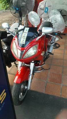 Moto Star furia motor 200 cc con chapa y cedula verde