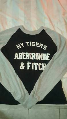 Mangas Largas Abercrombie & Fitch talle Mediano