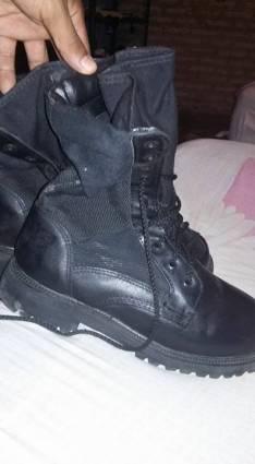 Bota tipo militar calce 42