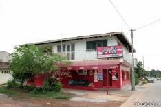 Salón comercial en Luque con estacionamiento propio