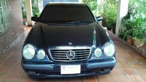 Mercedes E220 versión alemana 1999