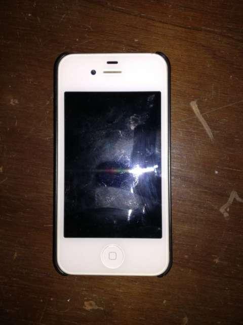 IPhone 4s de 16 GB color blanco.