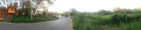 Terreno de 12 x 30 mts sobre asfalto en Luque