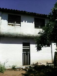 Casa de 2 pisos en La Lomita Ñemby