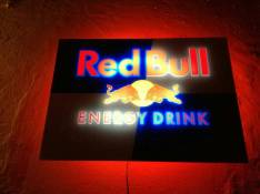 Cartel Luminoso Red Bull.