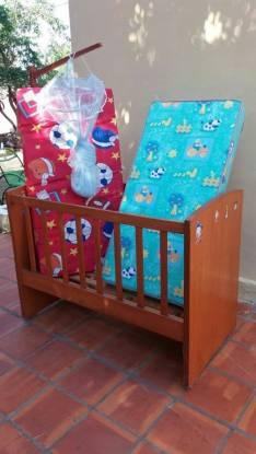 Cuna para bebé con colchón