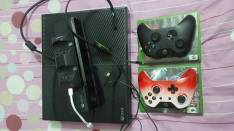 Xbox one con 8 juegos digitales y 2 físicos dos controles cargador y kinect