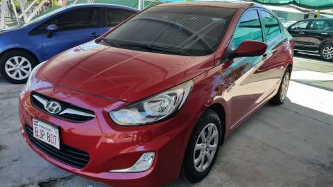 Hyundai Accent 2012 caja mecánica
