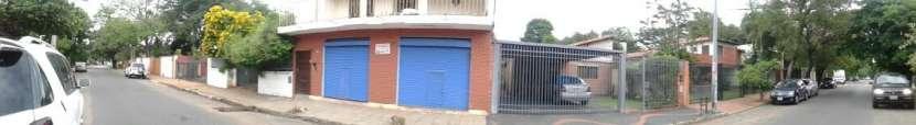 Casa sobre Bruselas en el barrio Ycua Sati - 5