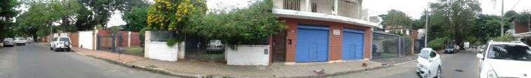 Casa sobre Bruselas en el barrio Ycua Sati - 1