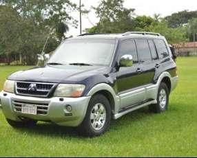 Mitsubishi Súper Montero 2004