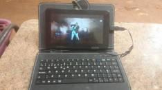 Tablet con teclado opcional