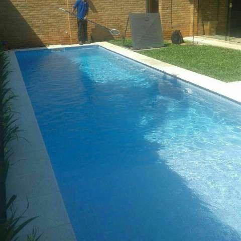 Limpieza y mantenimiento de piscina - 0