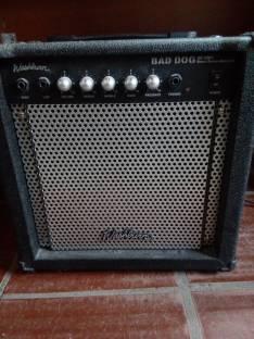Bajo eléctrico Ibanez SDGR con amplificador Washburn 30 W y accesorIos