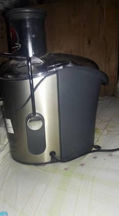 Centrifugadora de jugo Arno