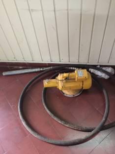 Compactador y vibrador de cemento