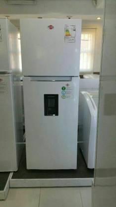 Heladera Tokyo frio seco de 450 litros con dispenser