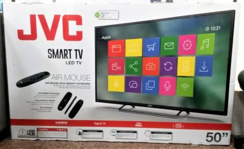Smart Tv JVC 50 pulgadas con WiFi y teclado inalambrico incluido