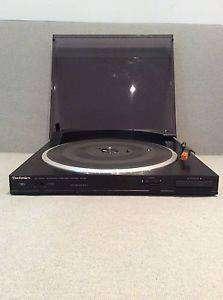 Discos de vinilo y 1 tocadisco Technics SL91