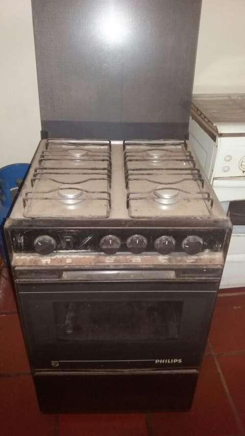 Cocina continental de 4 hornallas lauri for Cocinas 8 hornallas