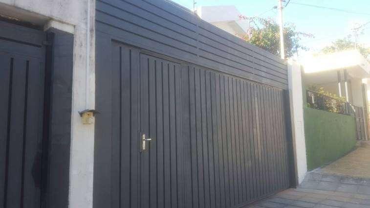Realizamos servicio tecnico, reparación y mantenimiento de portón eléctrico - 0