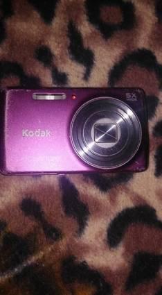 Cámara Kodak de 14 Mp con batería