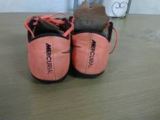 Botin todoterreno Nike mercuarial