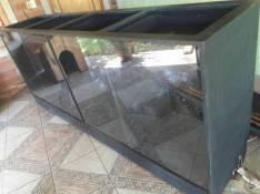 Muebles para local comercial de madera y repisas de vidrio resistentes
