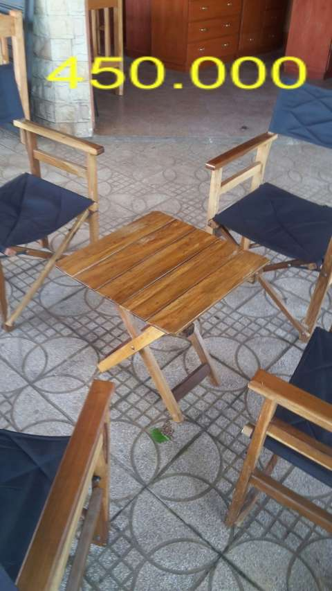 Mesa con 4 sillones edelio for Juego de jardin fundicion aluminio