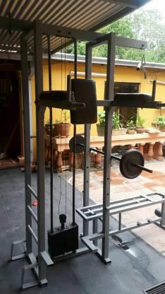 Máquina multiestación para diversos entrenamientos